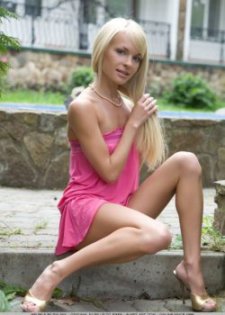 Naughty nude blonde Helen a Russian amateur beauty teasing