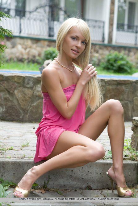 Naughty nude blonde Helen a Russian amateur beauty teasing