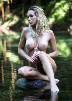 Sexy nude water nymph Amber classy athletic model