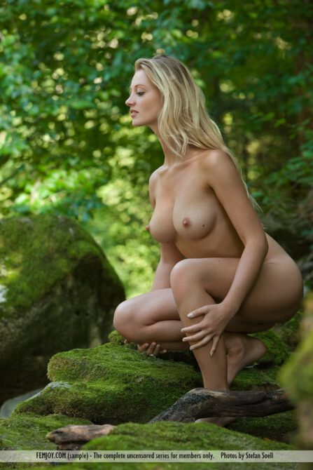 The sexiest woman in the world Carisha truly a sight to see when kneeling naked